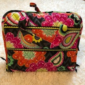 Vera Bradley Ziggy Zinnia hanging toiletry bag